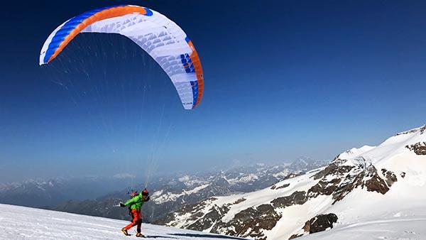 Parapente op de Mont-Blanc