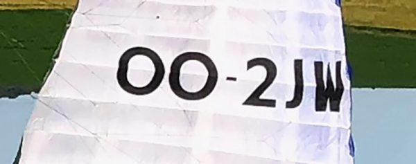 Een groot en reglementair kenteken nummer voor parapente- of paramotorschermen te verkrijgen bij ikarus.be!