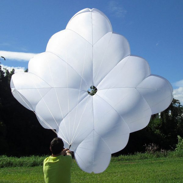De SOL Squad Light noodparachute te verkrijgen bij ikarus.be!