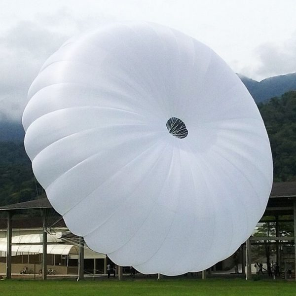 De SOL TK-380 noodparachute bij ikarus.be!