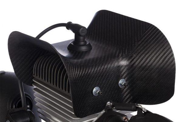 """Geforceerde koeling """"cap"""" voor uw paramotor.Geforceerde koeling """"cap"""", te verkrijgen bij ikarus.be!"""